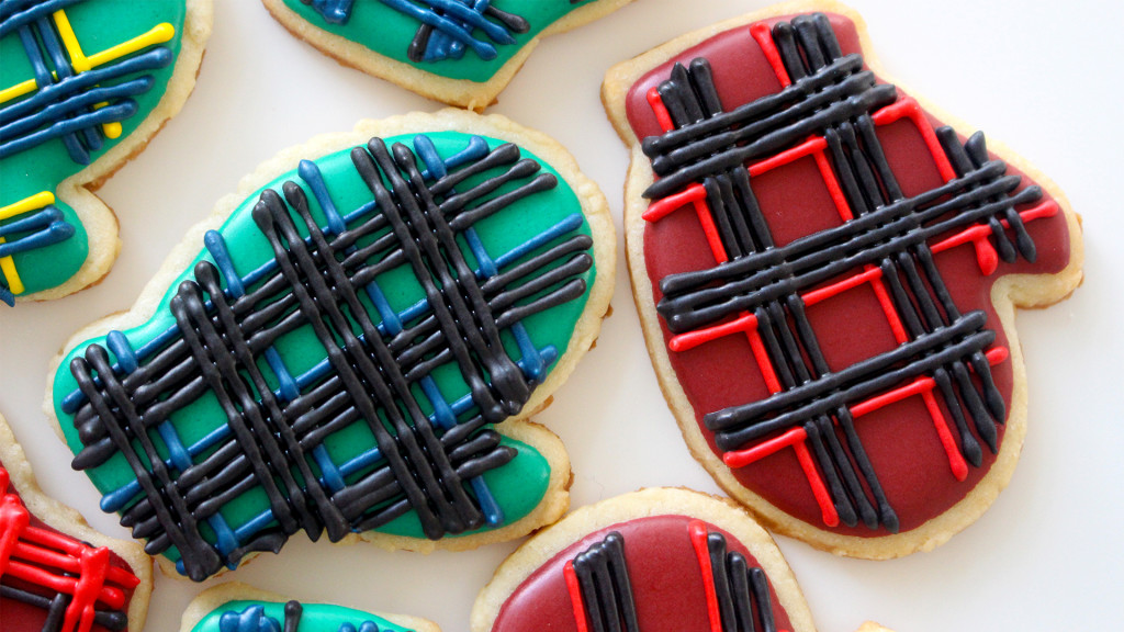 plaid mitten cookies thumb
